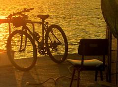 bike e cadeira (Amrico Meira) Tags: portugal chair lisboa lisbon bicicleta chaise lisbonne cadeira belm cilla