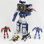 Transformers Soundwave Masterpiece - modo robot vs casetes thumbnail