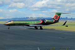 SexyJet (planephotoman) Tags: gulfstream gv gulfstreamv n888xy sexyjet charter charterjet redhotchilipeppers band colorchanger colorchangingpaint 509 pdxbizjet businessjet portlandinternationalairport pdx kpdx