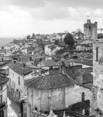 Saint-Émilion (PaulRoberts89) Tags: saintémilion wine bw
