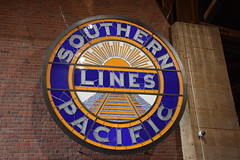 California State Railroad Museum (Adventurer Dustin Holmes) Tags: 2017 californiastaterailroadmuseum museum sacramentoca sacramentocalifornia california railroad train southernpacific southernpacificlines sign signs