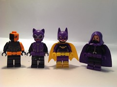 DC Figures 15: Belt squad assemble. (The Bricky Boy) Tags: dc deathstroke catwoman batgirl batman spoiler lego