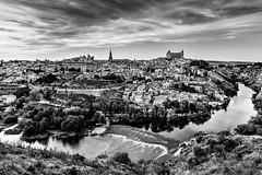 Toledo (B.B.H.70) Tags: toledo españa spain alcázar catedral city panorámica panoramic bw blancoynegro