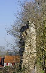 Vestiges Tour 2 (Ombre&Lumiere) Tags: xiiie xive xve marizysaintmard aisne picardie patrimoine vestiges ruines 02 ancienneabbayefortifiée xviie fortifications