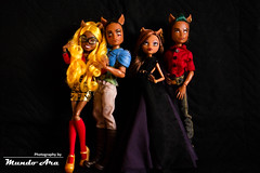 Wolf's Family (Osmundo Gois) Tags: clawd clawdeen clawdia fenrir wolf family monster high doll