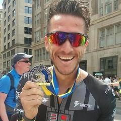 """""""Eeeeeeeh Roger, 2:58:34! Sub3 em Boston! Muuuuuuuito obrigado pelos treinos e por me fazer alcançar este nível de rendimento"""". Obrigado vc @runcayiito! A vitória de cada aluno é o nossa também! 👊🏃 #rrrun #run #corrida #marathon #bostonmarath (viviangarcia3) Tags: eeeeeeehroger25834sub3embostonmuuuuuuuitoobrigadopelostreinosepormefazeralcançarestenívelderendimento obrigado vc runcayiito a vitória de cada aluno é o nossa também 👊🏃 rrrun run corrida marathon bostonmarathon sub3 superação foco determinação euatleta euescolhicorrer inspiracao neverstoprunning runnersbrazil sigapracorrer time2run viajarparacorrer viciadosemendorfina familiadoesporte assessoriaesportiva somosrrrun"""