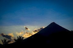 Mt. Mayon (BenMode) Tags: mayon onlyinthephilippines philippines bicol sunset volcano tropical