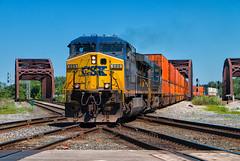 Making the X (Wheelnrail) Tags: csx csxt blue island illinois chicagoland il ac6044cw intermodal cn diamond bridge chicago ge locomotive train trains railroad rail road