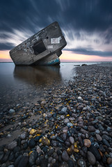 Plage du Hourdel (Objectif dizi (O.DPhotographies)) Tags: blockaus hourdel paysages photography seascapes sunset nikon nisifilter nightshot landscapes longexposure light bluehour fineartphotography france megashot