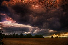 Ominous looking cloud. (bainebiker) Tags: menacing threatening ominousstormclouds foreboding astormbrewin sky clouds sunset farmland canonef24mmf14liiusm hdr langtoft lincolnshire uk