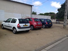 Renault Clio II de 2005 9576 XG 37 & 5482 YH 49 - 23 mai 2013 (Rue de Saint-Gatien - Joue-les-Tours) (Padicha) Tags: auto new old bridge france water grass car station electric truck river french coach ancient automobile eau indre may police voiture ruine cher rest former 37 nouveau et loire quai franais nouvelle vieux herbe vieille ancienne ancien fleuve nationale vehicule lectrique reste gendarmerie gazon indreetloire franaise pave nouveaut vhicule utilitaire restes vgtalise letramdetours padicha