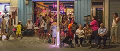 Ambiance nocturne (www.darnoc.fr) Tags: photoshop canon eos vacances shoot t soir nuit nocturne italie gens lightroom adriatique 6d 24105 24105mm lesgens ef24105mmf4lisusm photosderue eos6d iso5000