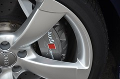 Audi Ceramic Brakes @ Audi S7 Sportback (DennisGRILLT) Tags: mountain mountains alps berg ceramic september berge brakes brake alpen blau audi wetter s7 keramik bremse sportback