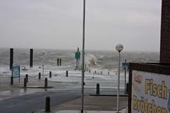 Nachmittagshochwasser (foto.jones) Tags: wilhelmshaven xaver hochwasser sturm flut
