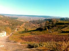 (teoremalibero) Tags: italy panorama sun verde green sole prato paesaggio colline nikond3200