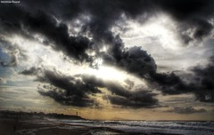 (mathiilde.b) Tags: ocean light sea sky cloud mer storm nature clouds waves cloudy wave stormy vague vagues orage orages uploaded:by=flickrmobile flickriosapp:filter=nofilter