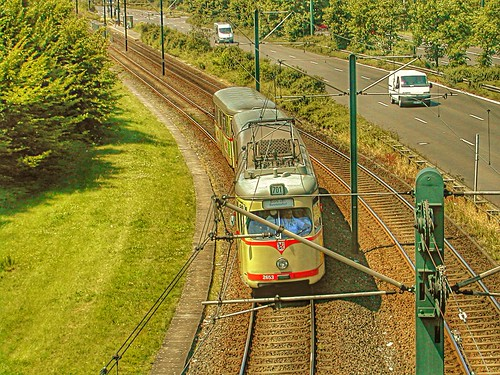 GT8 2653 Rheinbahn Düsseldorf im April 2003 auf der Linie 701