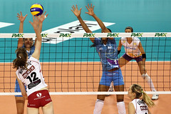 013-GO4G5889 (Robi33) Tags: game girl sport ball switzerland championship team women action basel tournament match network volleyball block volley referees viewers