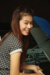 pretty woman (the foreign photographer - ฝรั่งถ่) Tags: pretty woman umbrella khlong thanon portraits bangkhen bangkok thailand canon kiss
