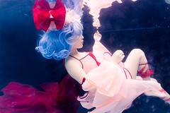 Remilia Scarlet (bdrc) Tags: asdgraphy kl malaysia sony a6000 selp1650 kitlens zoom meikon waterproof housing remilia scarlet vampire loli touhou project josette underwater water blue background wet floating cosplay portrait girl acg workaround salt pool goddess