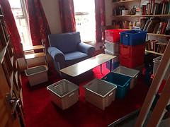 2017_04_040002 (Gwydion M. Williams) Tags: coventry britain greatbritain uk england warwickshire westmidlands chapelfields sirthomaswhitesroad books bookshelves