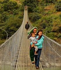 NEPAL, Auf dem Weg nach Pokhara, 16009/8270 (roba66) Tags: brücke bridge hängebrücke reisen travel explore voyages roba66 visit urlaub nepal asien asia südasien pokhara landschaft landscape paisaje nature natur naturalezza menschen people leute nepalesen