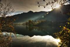 Il Sole (giannipiras555) Tags: lago idro sole raggi riflessi autunno colline montagna landscape panorama alberi foglie nikon