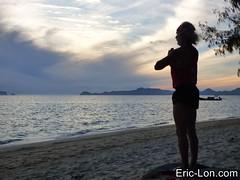 Yoga sun salutations at Kradan (21) (Eric Lon) Tags: kradanyogaavril2017 yoga sunrise salutations asanas poses postures beach plage mer thailand kradan island ile stretching flexibility etirement souplesse body corps fitness forme health sante ericlon