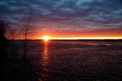 Laser Beam Sunset (CdnAvSpotter) Tags: sunset nature landscape ottawa river dark sky outdoor spring 2017 cumberland