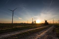 powerhouse (chris4all) Tags: chris4all landscape landschaft nature natur sonneuntergang himmel sky sunset sun acker kraftwerk windrad wind