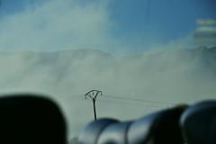 DANS LA BRUME (HRMDINOSAURIO) Tags: postes posts niebla brouillard fog azul blue bleu