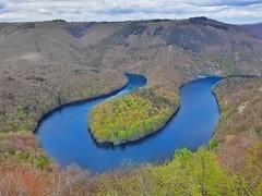 -Naturel beauty-⛰🌋 (mushimd) Tags: meandredequeuille clermont clermontferrand montagne a3 samsung a32017 auvergne landscape mountains green u lac