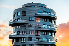 Woontoren in Utrecht (Bart Weerdenburg) Tags: utrecht ooginal urban archtitecture art abstract lines shapes wonen stad
