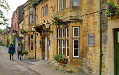 The Swan Inn, Moreton-in-Marsh, Gloucestershire (Baz Richardson (trying to catch up again!)) Tags: gloucestershire thecotswolds moretoninmarsh theswaninn cotswoldstonebuildings