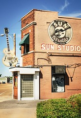 Welcom to Sun Studio with Elvis, Johnny, Jerry and many more ! (Mickael Maurice) Tags: roadtrip voyage travel photographiedevoyage sunstudio memphis tennessee elvispresley johnnycash nikon nikond7000 usa etatsunis rocknroll