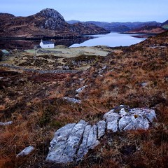 Loch a' Chadh-Fi (Leirinmore) Tags: scotland winter building agriculture morning square cottage april xt1 whitecottage countryside sutherland croft highlands field water stone rocks beacheslandscapes heather remote fujifilm