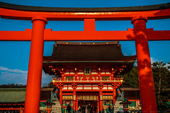 Fushimi Inari-taisha (julesnene) Tags: canon7dmark2 canon7dmarkii canonef35mmf14lusmlens fushimiinaritaisha inari inarishrine japan juliasumangil kyoto romongate shinto shintogod toriigate destination fox julesnene orange religion rice shrine torii touristattraction travel kyōtoshi kyōtofu jp fushimi kitsune