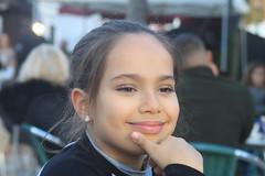 CLARA (André Pipa) Tags: clara portrait filha daughter fille figlia hija littleballerina littlesinger gymnast photobyandrépipa lisboa lisbon jardim