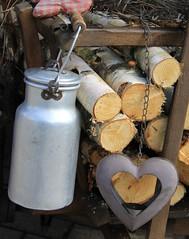 (Gerlinde Hofmann) Tags: metal germany village heart handmade thuringia aluminium milkcan woodlog milkchurn milchkanne lumberpile bürden 675yearsbürden