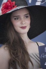 Classy (Jean Ka) Tags: portrait woman france hat photography photo frankreich europa europe foto femme frau chantilly horserace pferderennen coursehippique 16062013