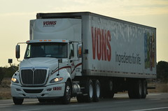 VONS / PAVILIONS - INTERNATIONAL BIG RIG TRUCK (18 WHEELER) (Navymailman) Tags: truck big rig wheeler 18
