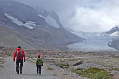 Catcher And Papa Walking Up To Athabasca Glacier (Catcher & Co.) Tags: canada nationalpark hiking glacier alberta papa catcher jaspernationalpark icefieldsparkway athabascaglacier