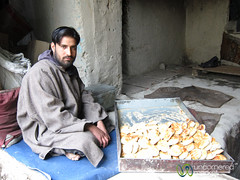 Traditional Bakery in Old Town Leh - Ladakh, India (uncorneredmarket) Tags: people india man bread bakery leh ladakh bakers kashmiriman tandooroven kashmiribread