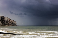 letreport-9 (xtrice) Tags: france pluie gimp normandie ubuntu falaise plage orage letréport seinemaritime rawtherapee