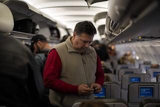 美国允许飞机上用手机?乘客不高兴!