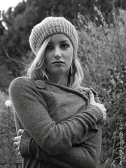 cold... (Art Gamila) Tags: woman lana garden blackwhite donna cool model glamour tramonto dancer erba glam shooting autunno frenchstyle prato bianconero cappello giardino monocrome modella canon7d elisaprone
