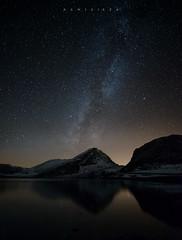 Tiempo de fro (Ahio) Tags: longexposure nightphotography autumn mountain night zeiss reflections stars landscape nikon lakes asturias paisaje nocturna 15mm nationalgeographic milkyway picosdeeuropa valctea lagoenol parquenacionalpicosdeeuropa zf2 porradeenol distagont2815 d800e
