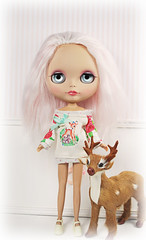 Deer Tunic Top for Blythe (Amy Lilley) Tags: pink holiday alpaca sunshine hair doll amy sweet handmade top ooak deer mohair kawaii blythe custom tunic lilley violetpie obviouszebra liquiriziadolly