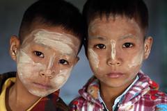 Twins, Myanmar (Burma) (Dietmar Temps) Tags: travel school portrait people tourism kids children student asia asien southeastasia sdostasien faces yangon burma buddhist traditional culture buddhism adventure journey monks myanmar mon shan tradition pali ethnic burmese birma mandalay bagan rangoon thanaka ethnology birmanie birmania mianmar bamar ethnie monasticschool