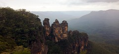 Three Sisters (Leopeobeo) Tags: sydney australia bluemountains
